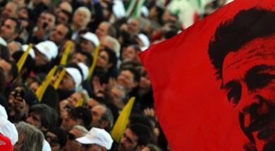 Bandiera con Enrico Berlinguer