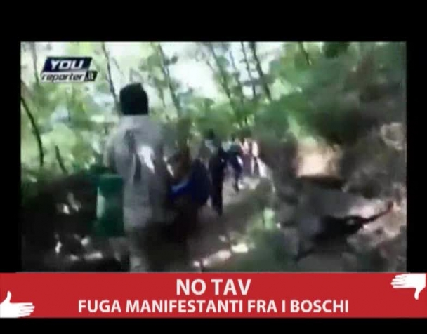 no-tav-la-fuga-dei-manifestanti-fra-i-boschi