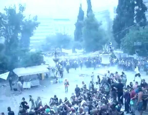 piazza-sintagma-29-giugno-2011-attacco-della-polizia