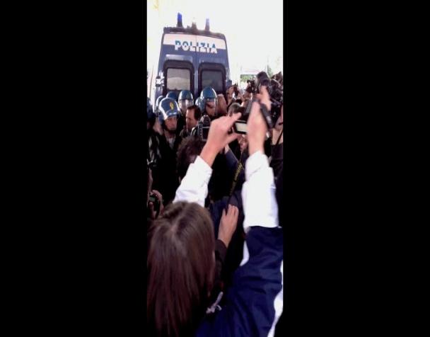 studenti-sequestrati-a-stazione-tiburtina-dopo-le-cariche