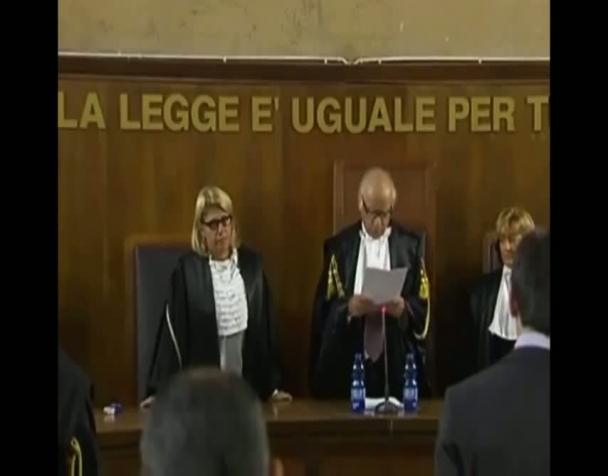 berlusconi-evasore-fiscale-il-tribunale-legge-la-sentenza