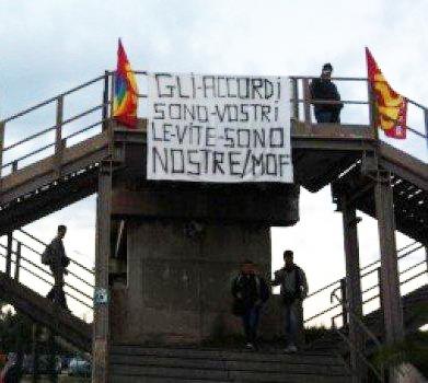 Taranto: BASTA OMICIDI IN FABBRICA E IN CITTA'! SALUTE, SICUREZZA, AMBIENTE!