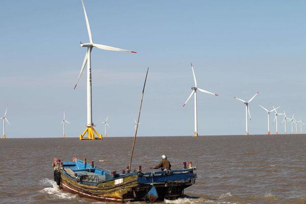 La Cina installa parchi eolici marittimi