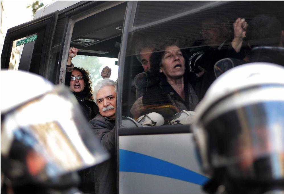 USB chiede il rilascio dei 36 sindacalisti del Pame arrestati. Siamo contro la repressione in Grecia, in Italia ed in Eu