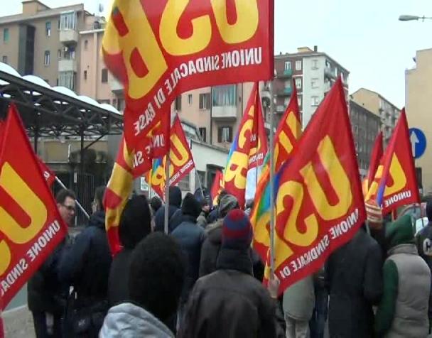 bologna-24-01-2014-sciopero-tpl-e-manifestazione-trasporti-casa-reddito-per-tutti