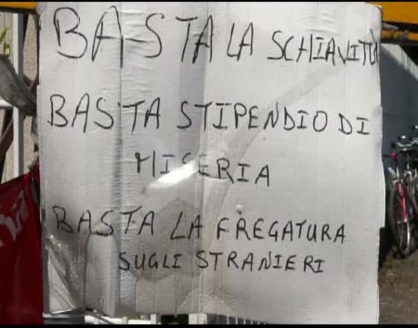 immigrati-dielle-sciopero-e-blocco-della-produzione-a-milano