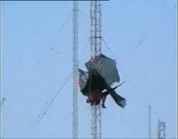 no-muos-i-militanti-si-arrampicano-sulle-antenne