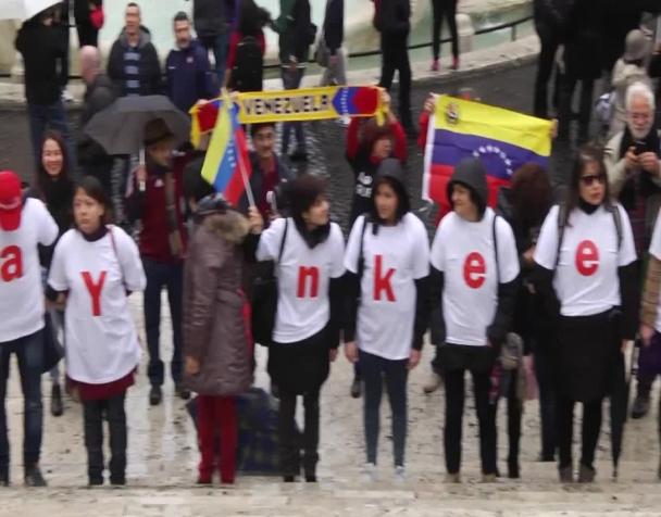 venezuela-yankee-go-home-manifestazione-a-roma