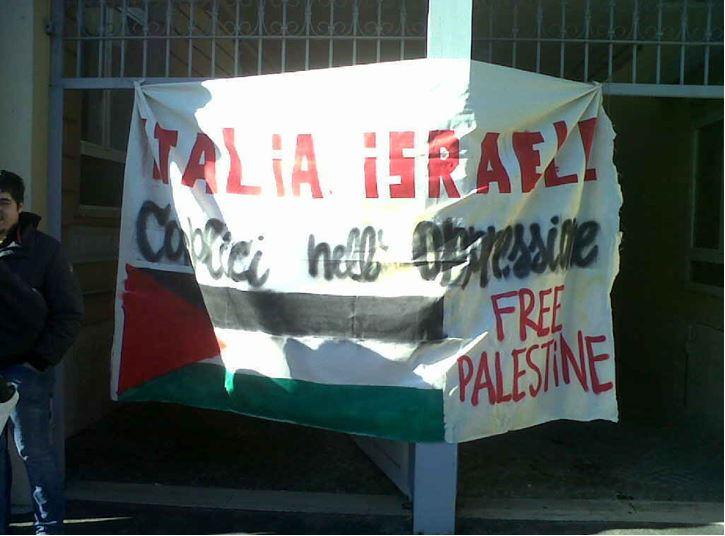 PALESTINA : Occupata sede AGI contro il vertice con Israele