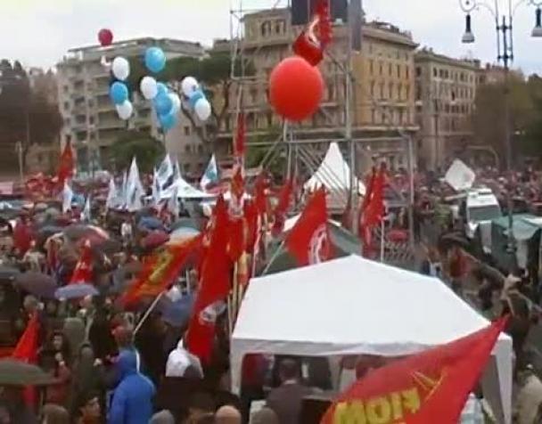 fiom-la-gente-la-piazza-il-lavoro-i-diritti