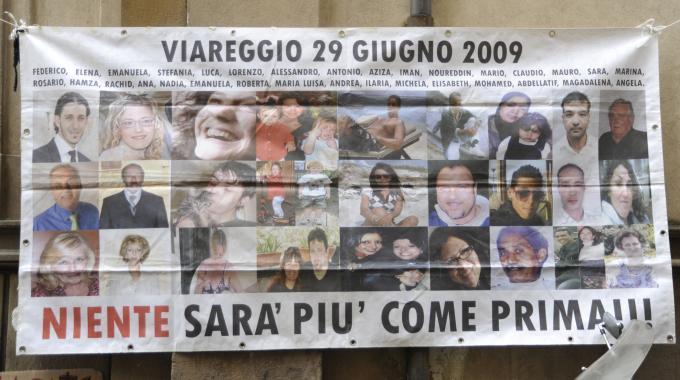 NAPOLITANO : Hai ignorato le vittime di Viareggio. Perche'?