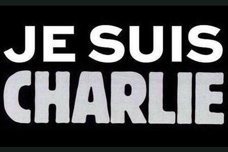 """""""Nous sommes Charlie"""". Ma siamo anche i genitori dei tre assassini"""