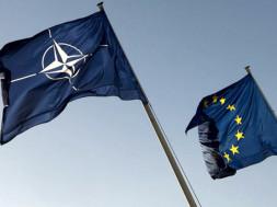 Bandiere UE e NATO