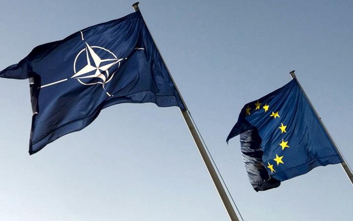 NO EURO NO UE NO NATO – Assemblea Nazionale