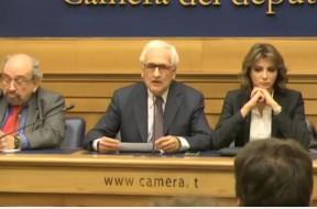 La conferenza stampa del comitato per il NO