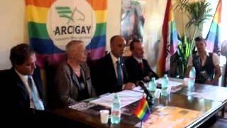 arcigay-campagna-contro-lomofobia-2011