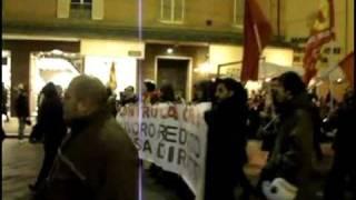 bologna-11-dicembre-2010-corteo-per-il-welfare-in-comune-rossocontroinfo