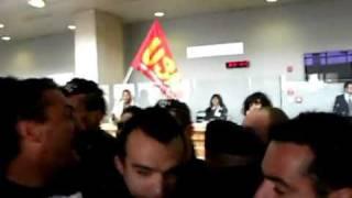 bologna-14-aprile-2011-errani-impedisce-con-la-polizia-laccesso-di-usb-in-regione