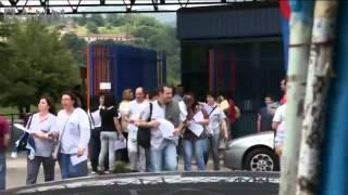 donne-in-lotta-le-mogli-degli-operai-fiat-di-pomigliano-mp4