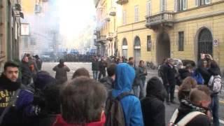 eurostrike-lacrimogeni-a-milano