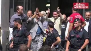 milano-5-settembre-2011-blitz-usb-borsa-occupata-e-presidio-in-piazzaffari-il-fatto
