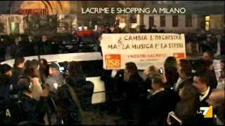 milano-7-dicembre-2011-alla-scala-usb-protesta-in-limousine-piazza-pulita-la7