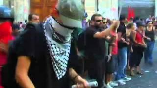 roma-14-settembre-2011-repressione-a-montecitorio-rainews