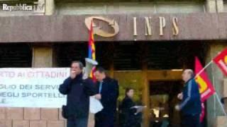 roma-15-novembre-2011-pubblico-impiego-contro-le-misure-lacrime-e-sangue-repubblica-tv