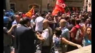 roma-22-giugno-2011-precari-a-montecitorio-archivio-tg1