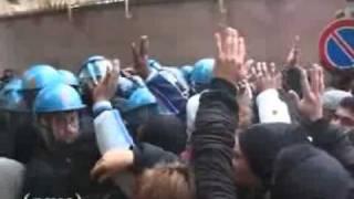 roma-6-dicembre-2010-presidio-e-scontri-alla-regione-ami