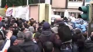 roma-6-dicembre-2010-regione-la-carica-e-il-blocco-stradale