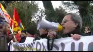 roma-9-febbraio-2012-solidarieta-al-popolo-greco-presidio-allambasciata-libera-tv